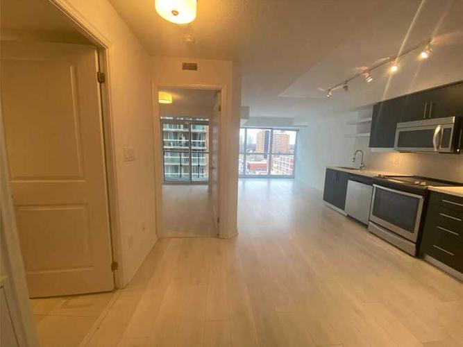 1013 400 Adelaide St E Toronto On 1 Bedroom Apartment For Rent Liv Rent