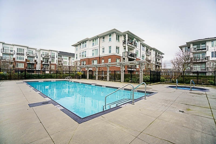 2 Bedrooms Apartment for Rent in Mayfair Place, 9399 Odlin Rd, Richmond, BC - 1