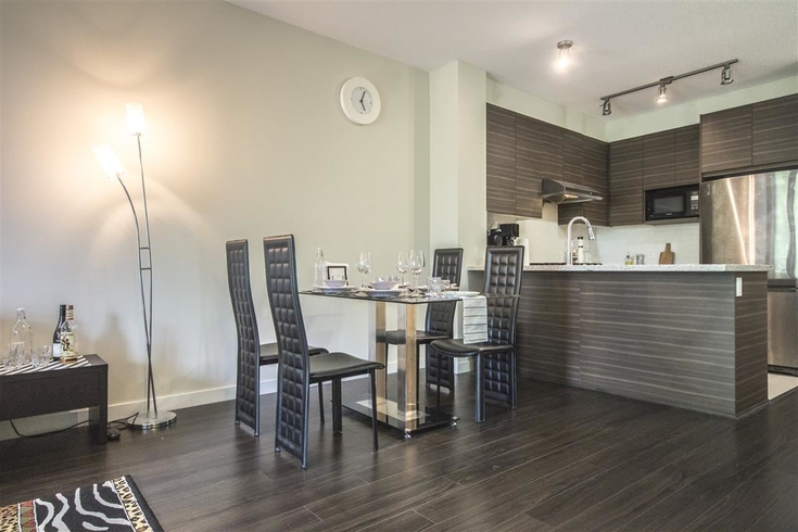 2 Bedrooms Apartment for Rent in Mayfair Place, 9399 Odlin Rd, Richmond, BC - 4