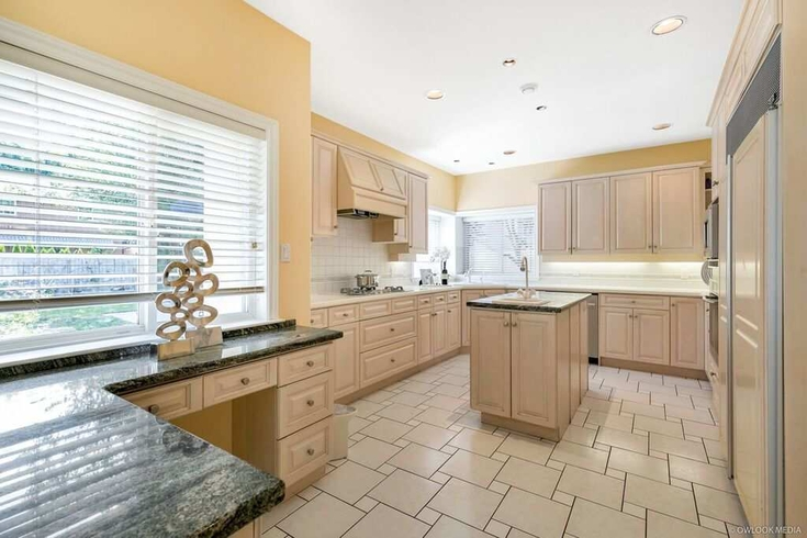 4 Bedrooms House for Rent in Lassam Rd, 10100 Lassam Rd, Richmond, BC - 1
