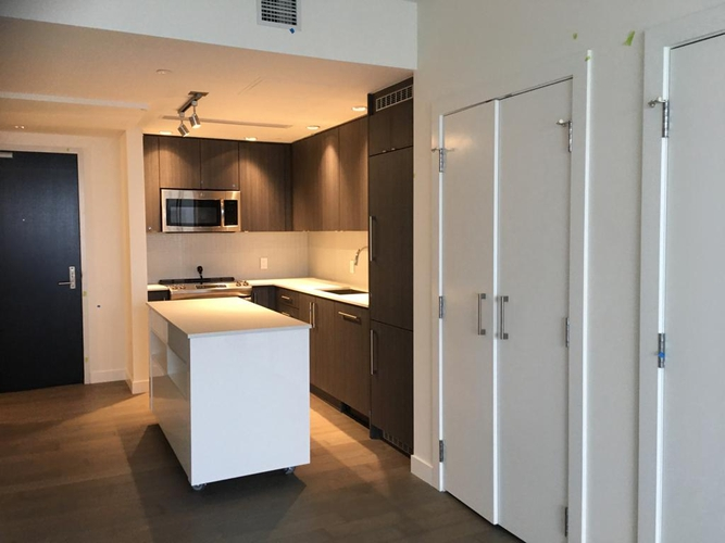 2 Bedrooms Apartment for Rent in Park Residences, 7333 Murdoch Ave, Richmond, BC - 1