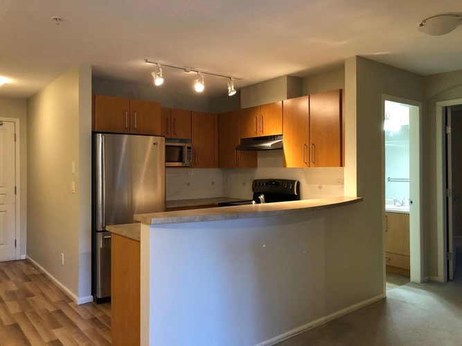 2 Bedrooms Apartment for Rent in Strathmore Lane, 3388 Morrey Court, Burnaby, BC - 2