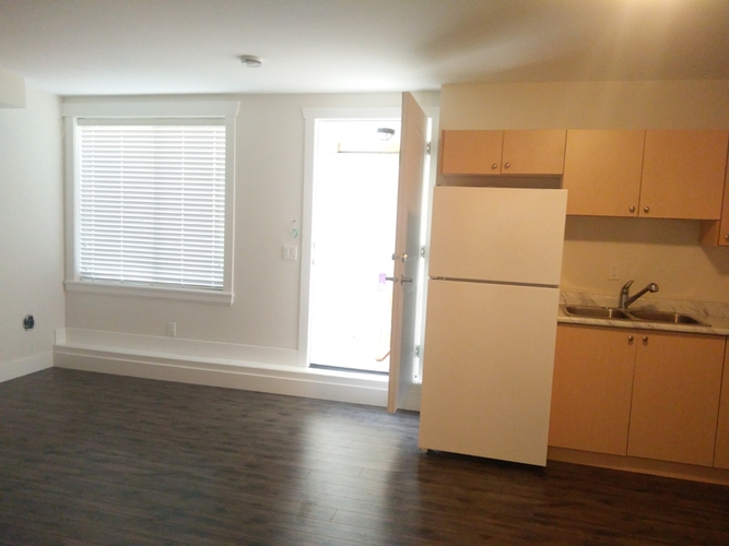 2 Bedrooms Apartment for Rent on 131 St & 60 Ave, Surrey, BC - 3