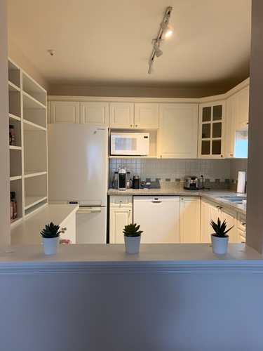 2 Bedrooms Suite for Rent in The Bristol, 5735 Hampton Place, Vancouver, BC - 13