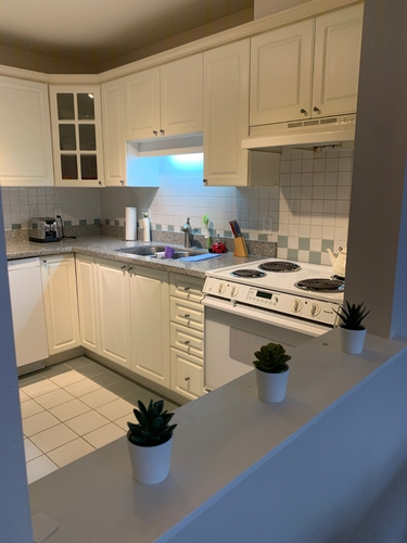2 Bedrooms Suite for Rent in The Bristol, 5735 Hampton Place, Vancouver, BC - 14